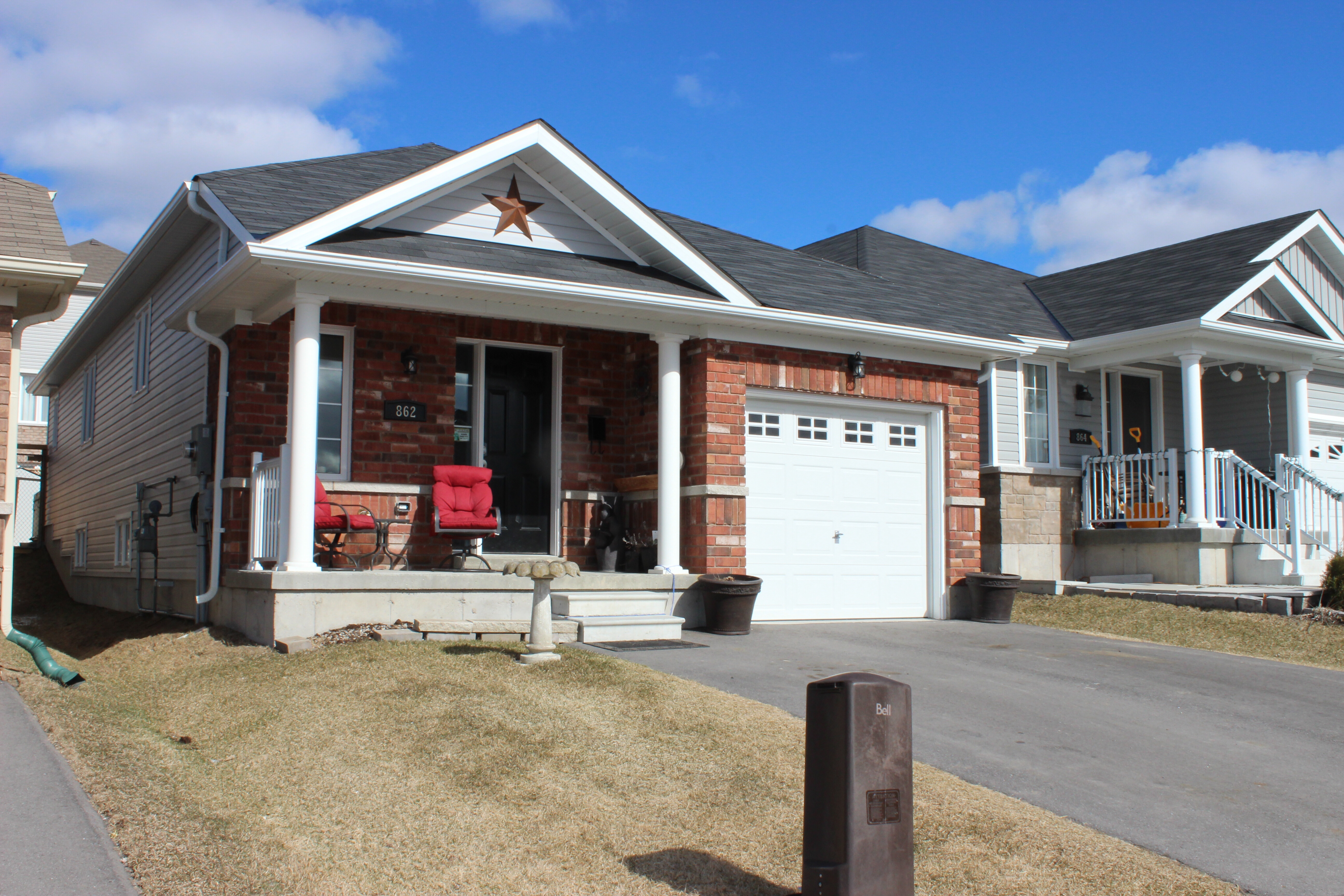 New Listing! 862 Emery Way In West Peterborough New West End